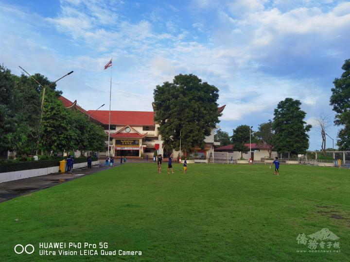美賽華雲學校校園情景