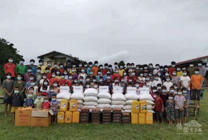 緬甸臺商總會捐贈密支那恩慈之家生活物資,幫助130名院童(相片由緬甸臺商總會提供)