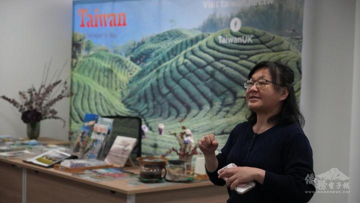 觀光局倫敦辦事處主任李思賢藉此機會將臺灣的旅遊資訊分享給英國的朋友們