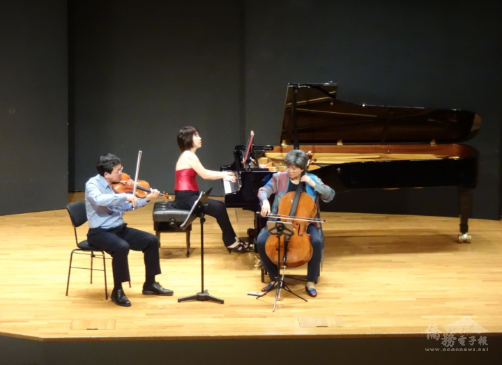 歐亞美三重奏於斯圖加特莫札特音樂廳演出