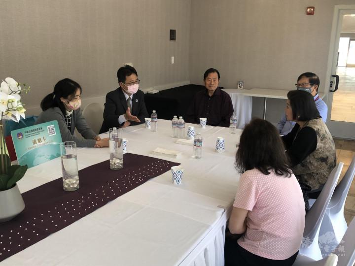 (Crowne Plaza)董事長夫婦范陣宗、戴麗鴻夫婦分享創業經驗心得