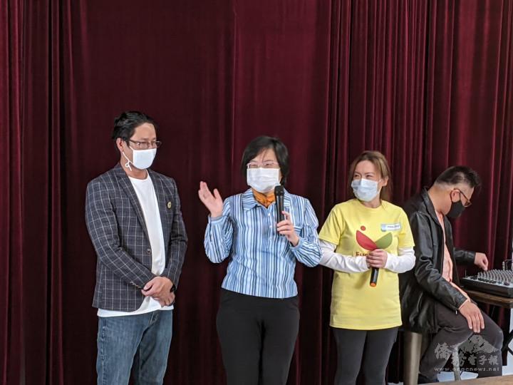 陳淑姿(左2)期許僑青擴展生活視野,增進對臺灣的瞭解