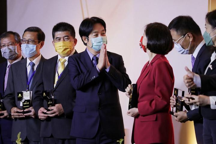 賴清德副總統13日下午出席「2021臺灣服務業大評鑑」頒獎典禮