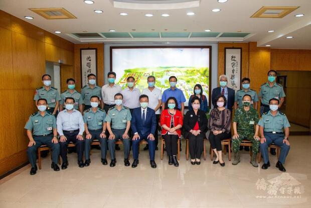 立法院外交及國防委員會考察陸軍官校。