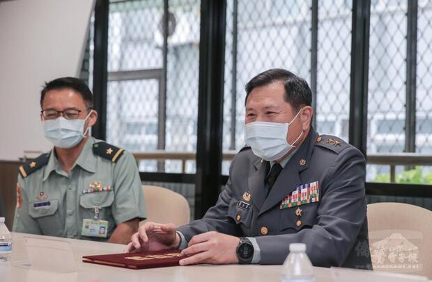 簡局長致詞時表示,期待今年再次簽署合作授權,激發官兵學習英語動機。