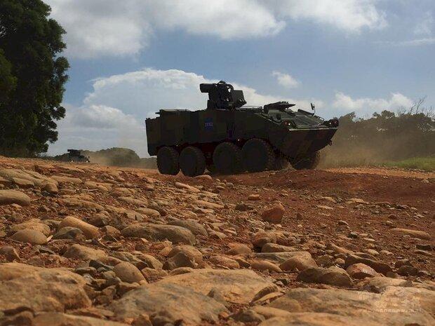 國防部9日表示,雲豹甲車相關零件採購案,是依年度修製計畫分批回廠翻修,非更換中興電工供應的料件。圖為雲豹甲車。
