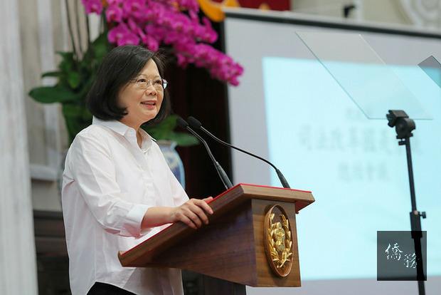總統蔡英文,所有榮耀歸給選手、台灣可以很團結,這是今年夏天我們一起體會的事。(總統府提供)