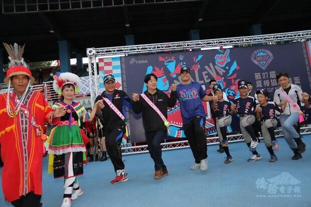 賴清德副總統19日下午前往臺東出席「第27屆原棒協關懷盃暨棒球豐年祭開幕式」