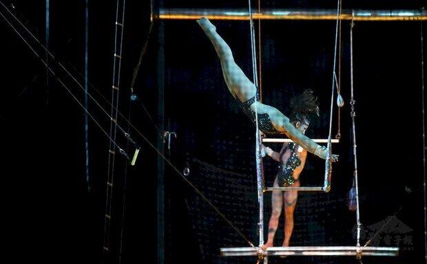 受惠於台灣防疫得宜,知名美國大馬戲團(LE GRAND CIRQUE)本週末將於台北小巨蛋登台演出。