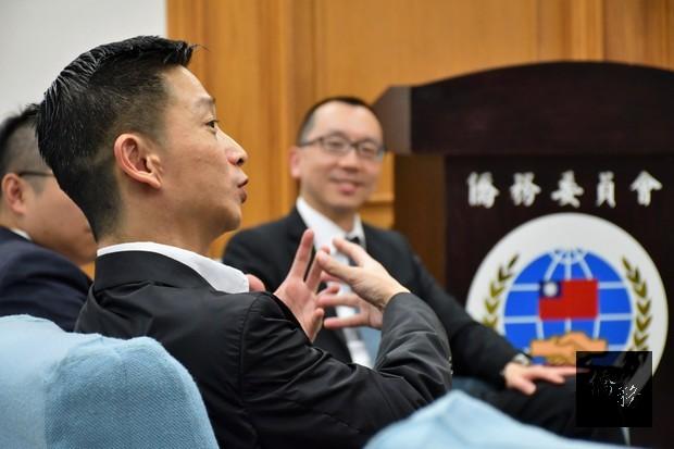 王龍緯(說話者)表示,目前臺商會成員超過600多人,今年特別組團回臺參與國慶活動。