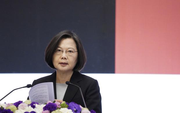 總統蔡英文10日上午在台北賓館出席「第14屆亞洲民主人權獎頒獎典禮暨授勳」,並為活動致詞。(中央社提供)