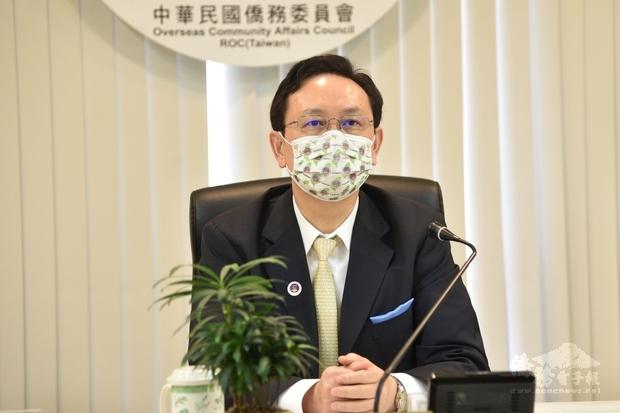 童振源說明僑委會政策以及施政理念,並感謝加東地區僑領長期對臺灣的支持,與在僑居地的貢獻。