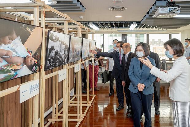 蔡英文總統參訪「台灣國家婦女館」