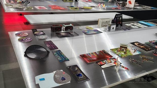 「憑證入場」展覽是當代館首度以20年來的展覽門票作為展覽主題,邀請民眾重溫歷年展覽的美感經驗。
