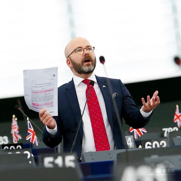 歐洲議會台灣議題報告人魏莫斯6日呼籲歐盟深化與台灣關係,除理念相近,歐洲在台有高額投資,台灣若動盪可能造成歐洲經濟災難。