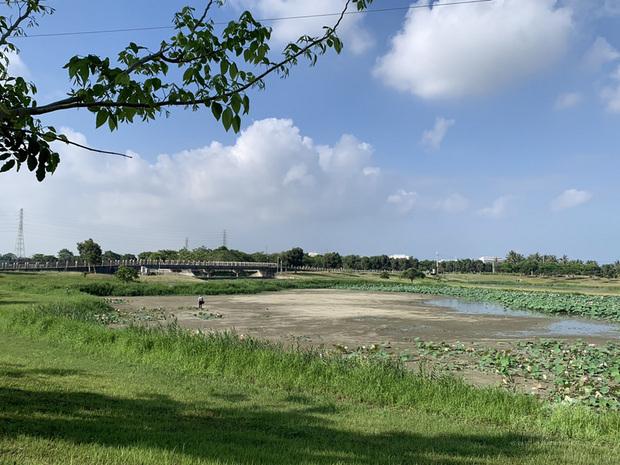 高雄市政府水利局整備全市16處滯洪池並排空,以因應即將到來的汛期,目前滯洪池的水位都已降到低水位,以備蓄洪。