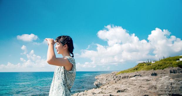 屏東縣政府109年形象影片「屏東,總是多一度」在第3屆日本國際觀光影像節獲獎肯定,影片邀請演員温貞菱參與拍攝,呈現屏東當地自然生態等多樣風貌。(屏東縣政府提供)