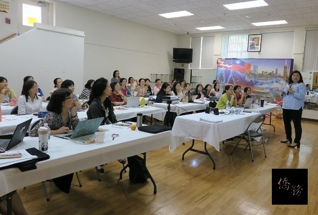 趙喆玄老師以「如何引導學生之中文寫作技巧」為題,分享教學經驗