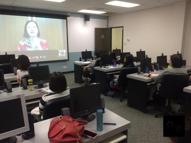 中心示範點數位課程陳玉明老師遠距同步上課情形。