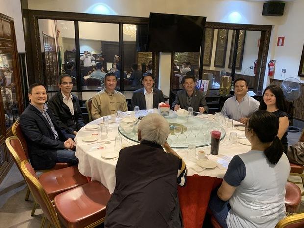 臺灣商會幹部與大使館人員互動交流