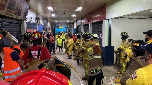 東方市義勇消防隊火場演習,室內注意事項重點解說。