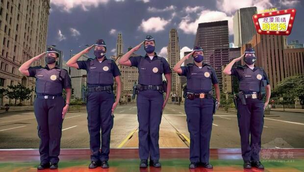 聖保羅市安全局警察代表穿著警服祝賀媽媽們母親節快樂