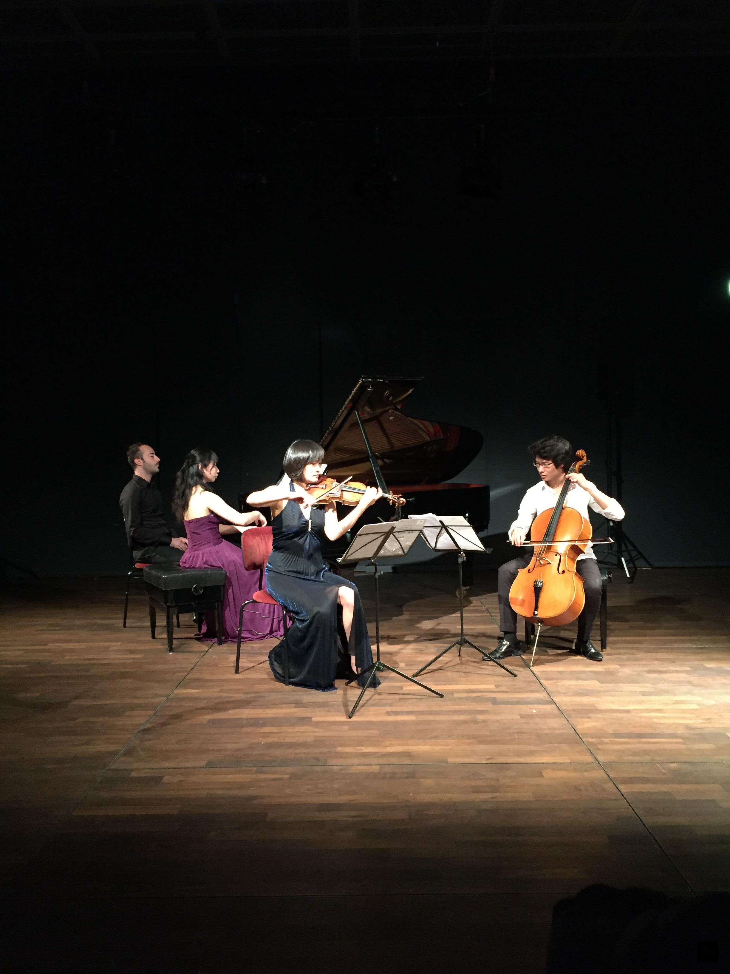 文化部台灣文化光點計畫在德國柏林音樂廳舉辦「Promenade-長廊/音樂漫遊」音樂會,由旅德台灣音樂家演繹台灣古典大師蕭泰然的「福爾摩沙三重奏」。(駐德國代表處提供)