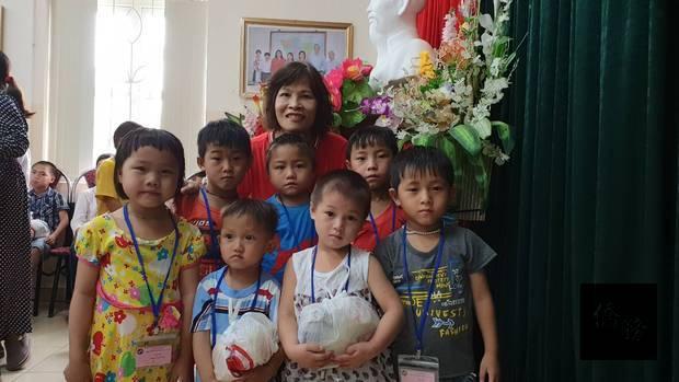 越南臺灣商會聯合總會太平分會與SOS院童相見歡