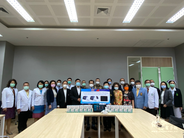 臺商捐贈邦坤天河畔長者醫院(Bangkhuntien Elderly Hospital)手持式超音波掃描器