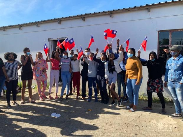 開普敦Khayelitsha區Taiwan Informal Settlement 的青少年講習活動