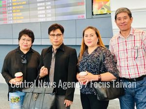 MECO Labor Center-Taipei Deputy Director Dayang Dayang Sittie Kaushar G. Jaafar (left), Arnell Ignacio (second left) and Marie Yang (second right)/Photo courtesy of CNA
