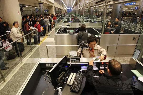 美CDC宣布:入境美國旅客須提檢測陰性證明