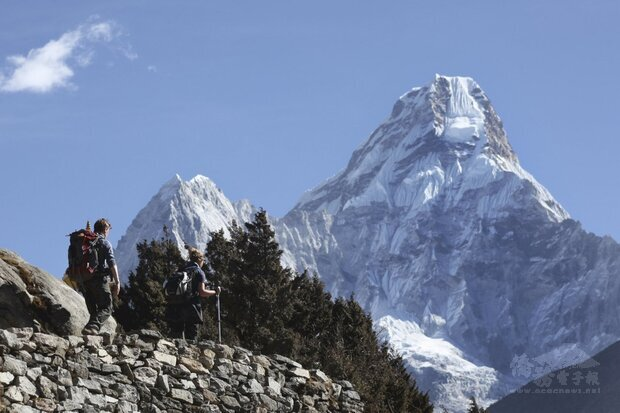 登山界憂心,如果聖母峰爆發嚴重疫情,將會帶來毀滅性後果。