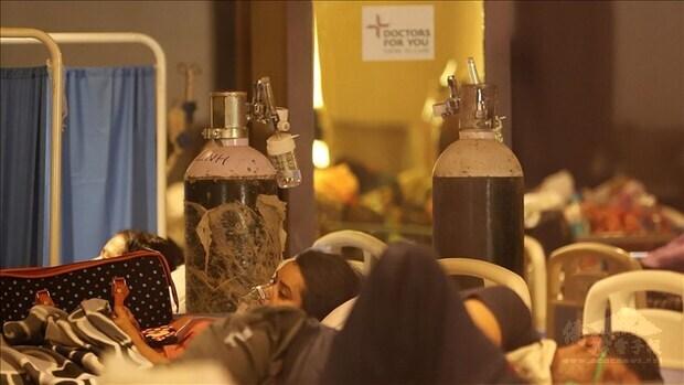 在印度的首名台籍幹部感染武漢肺炎不幸離世後,許多在印度台灣人紛紛搭機逃離印度,單是7日就有逾70名台灣人搭機返台。圖為印度新德里一處宴會廳改建成的臨時隔離所。