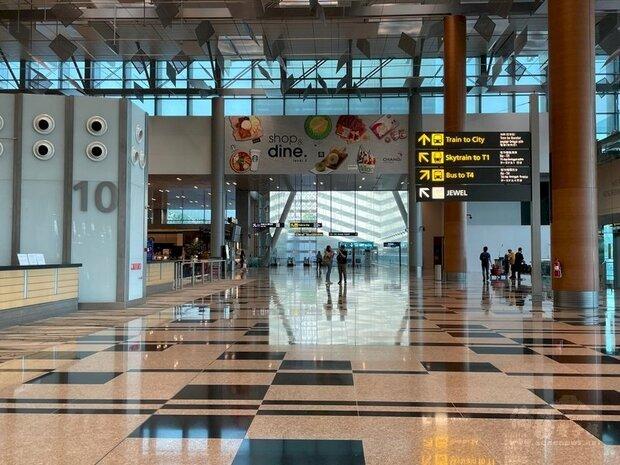 新加坡疫情升溫,樟宜機場也出現感染群,圖為樟宜機場大廳一隅。