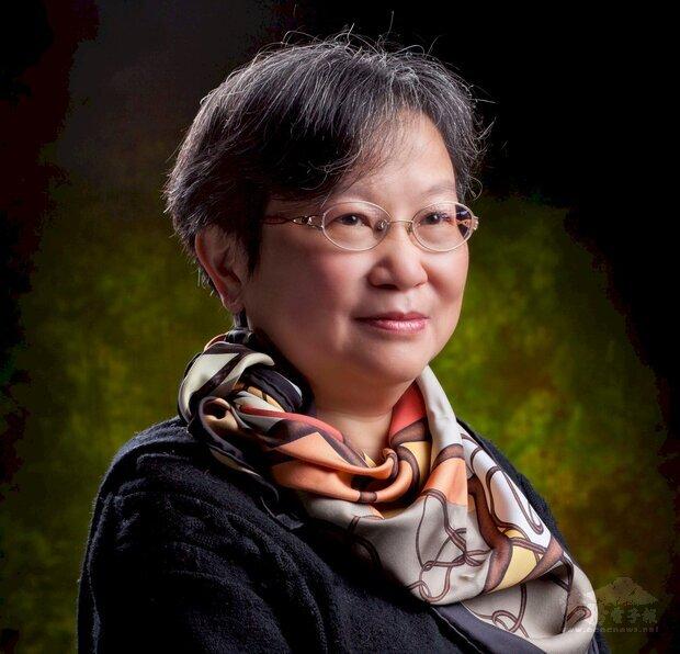中研院院分子生物研究所蔡宜芳特聘研究員榮獲2021年美國國家科學院外籍院士,表彰其於植物科學研究的重要貢獻。(中研院提供)
