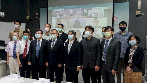 台灣與馬來西亞跨國合作,共同開發抑制COVID-19感染藥物篩選平台。